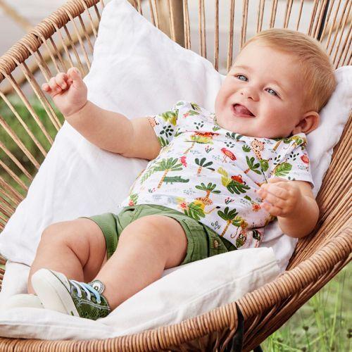 catalogo-mayoral-primavera-verano-conjunto-pantalon-bolsillos-camiseta-nino