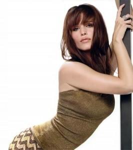 La tonalidad de tu cabello también es importante, los colores cálidos son muy sensuales y un reflejo de femineidad absoluta