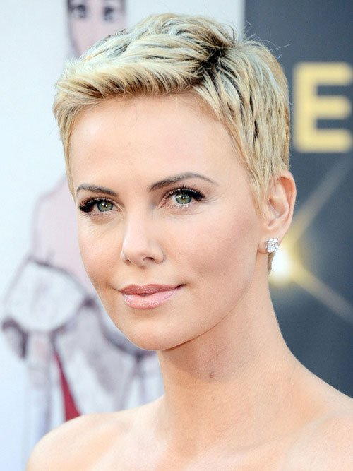 Pixie-Haircuts-2013 Charlize Theron