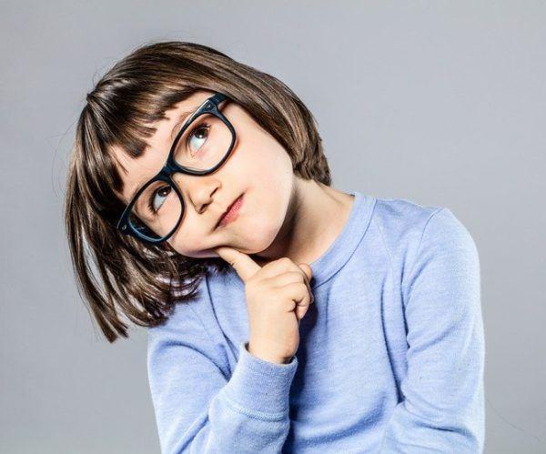 Peinados para ninas con gafas