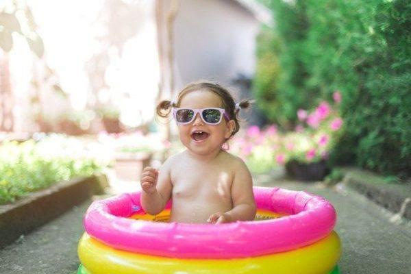 Nombres raros para bebes en piscina