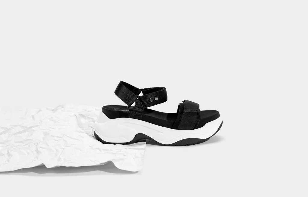 rebajas-bershka-zapatos-sandalias-plataforma-depotivas