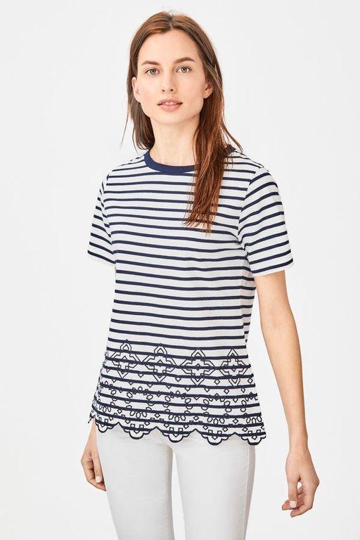 rebajas-cortefiel-camiseta-borde-bajo-troquelado