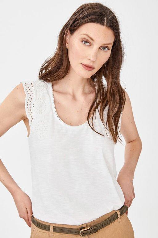 rebajas-cortefiel-camiseta-parche-bordado