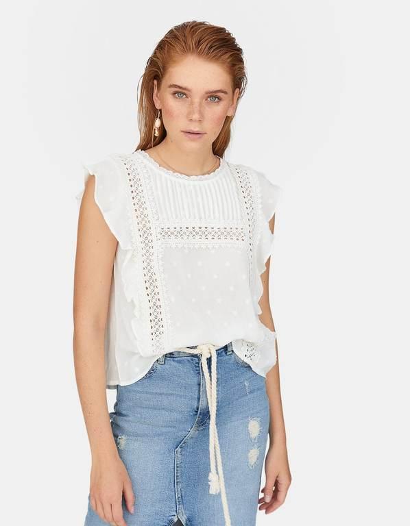 rebajas-stradivairus-camisas-manga-volante-plumetti-crochet