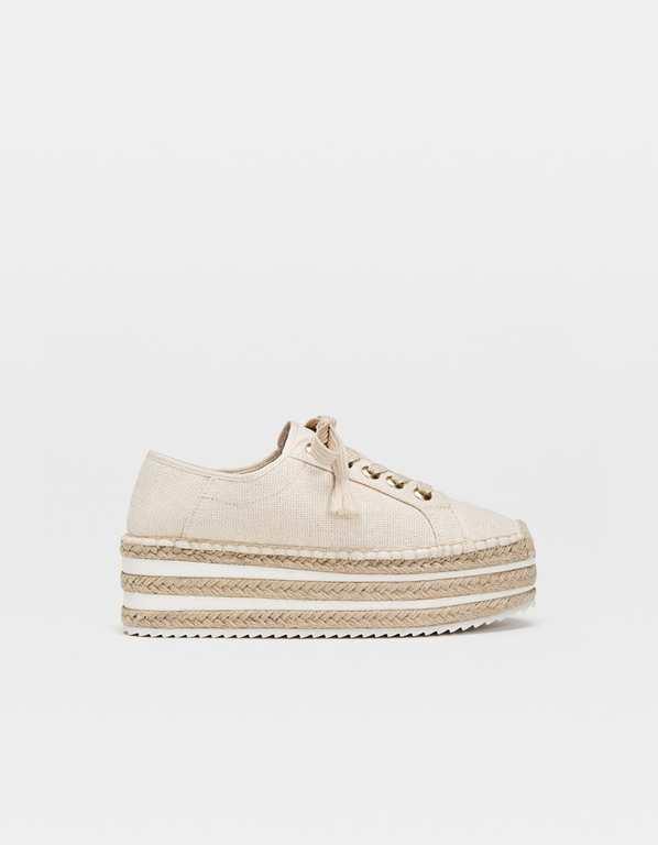 rebajas-stradivairus-zapatos-y-zapatillas-alpargatas-plataforma-y-cordones
