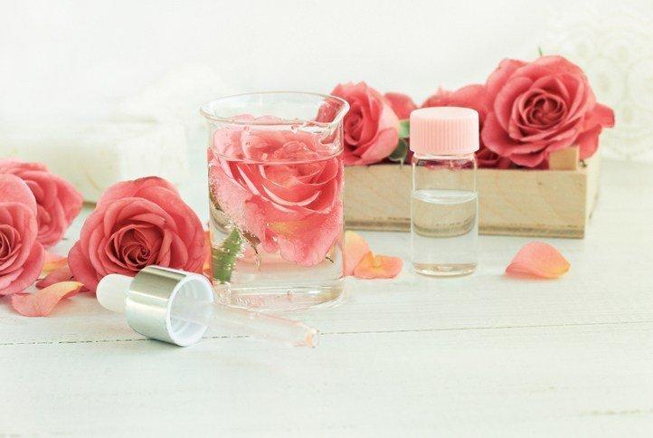 Como hacer toallitas desmaquillantes naturales agua de rosas