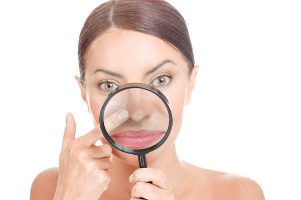 como-perfilar-la-nariz-con-maquillaje-istock2