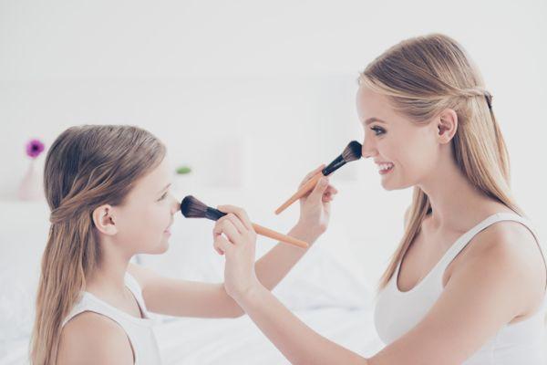 como-perfilar-la-nariz-con-maquillaje-istock3
