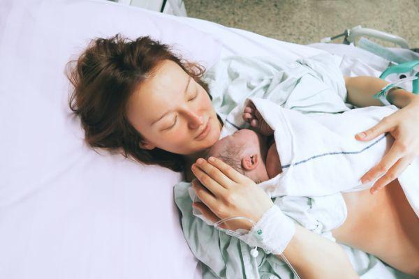embarazo-seguridad-social-o-seguro-privado-istock6