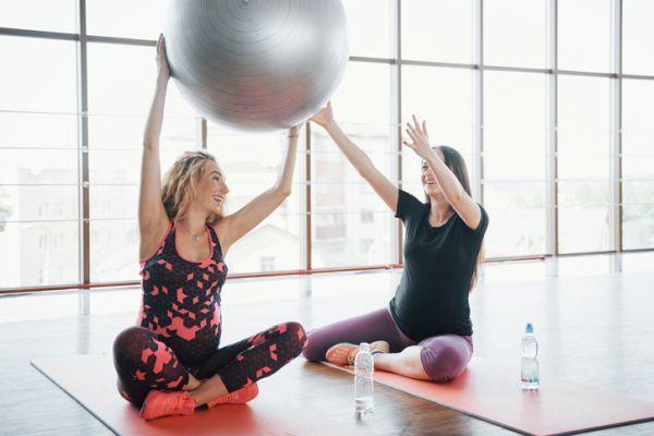 gimnasia-preparto-para-el-fortalecimiento-muscular-istock4