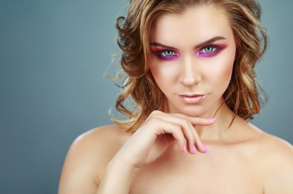 maquillaje-colores-neon-istock4