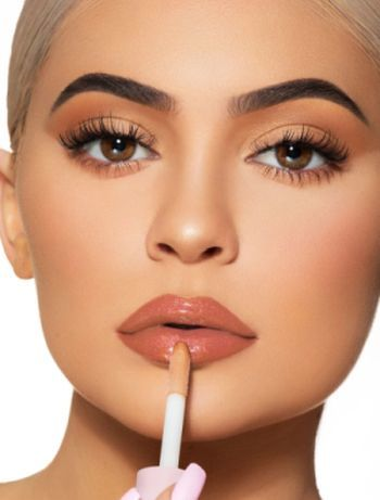 mejores-productos-de-kylie-jenner-high-gloss-kylie-jenner-cosmetics