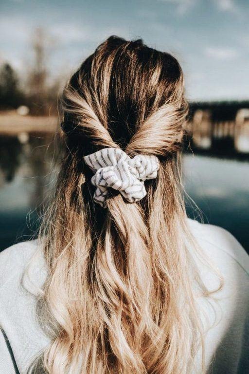 peinados-con-coletero-semirrecogido-bajo-sevilla-abc