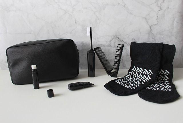 preparar-bolsa-de-maquillaje-para-viaje-pixabay2
