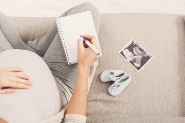 mejores-trucos-para-ahorrar-en-las-compras-del-bebe-istock