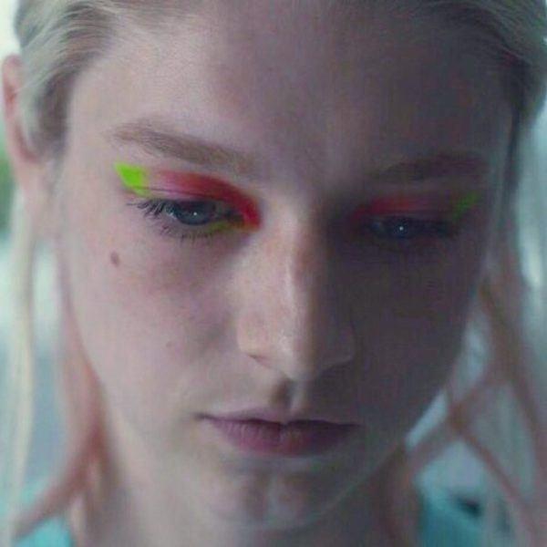 maquillaje-euphoria-ojos-arcoiris-lqs40