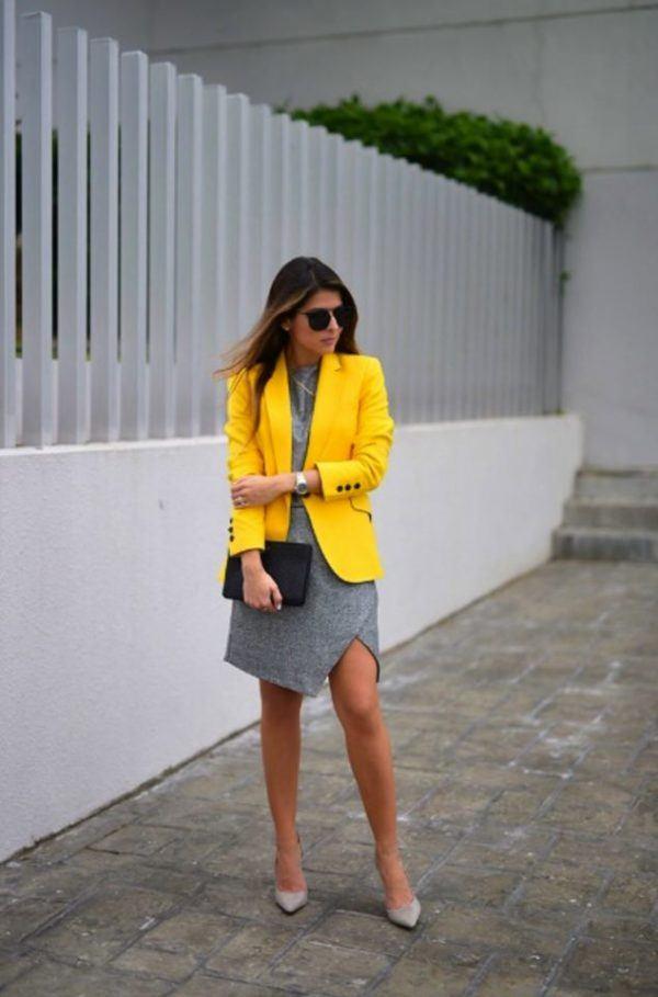 Ropa amarilla y gris