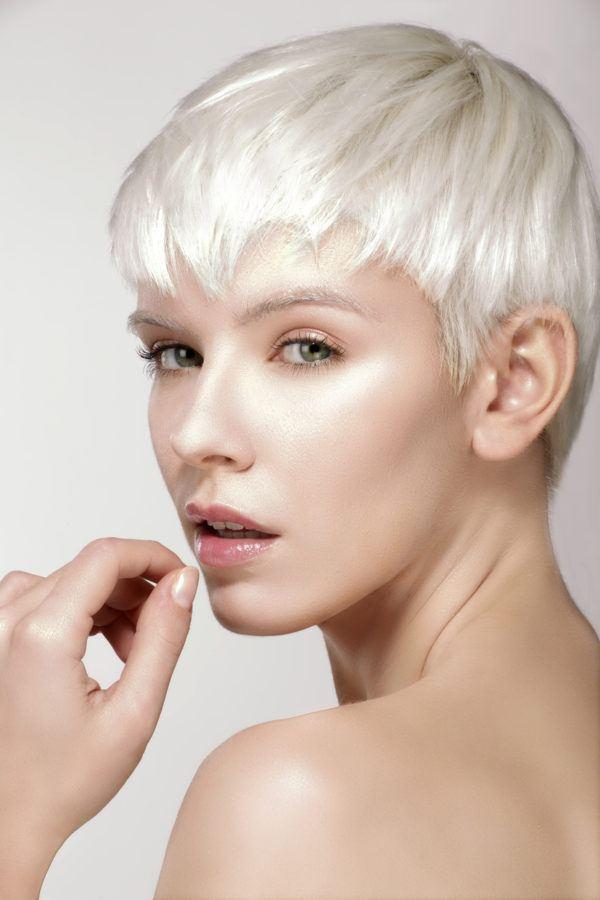 Cortes de pelo corto blanco