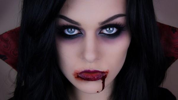 Maquillaje de Vampiresa para Halloween 2015