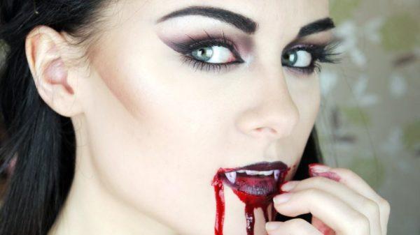 maquillaje-de-vampiresa-para-halloween-2015