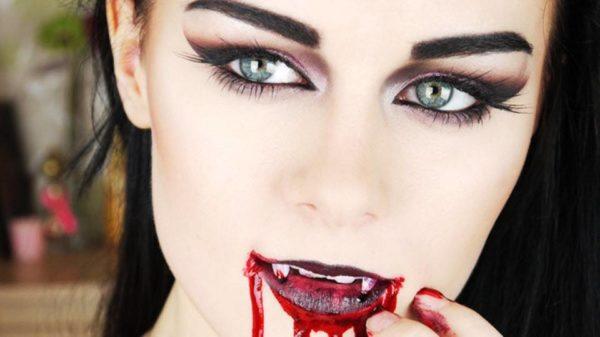 maquillaje-de-vampiresa-para-halloween-2015-maquillaje-ojos
