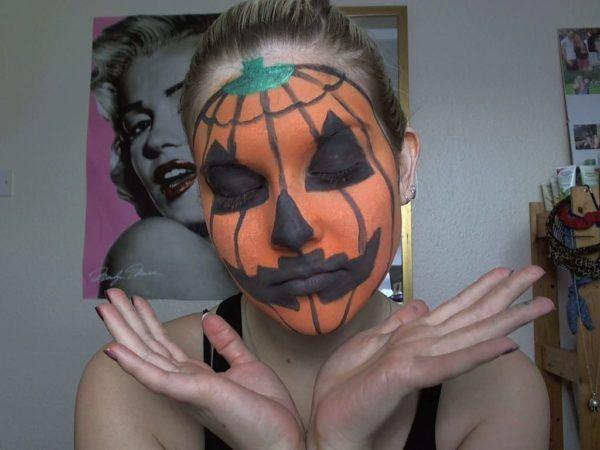 maquillaje-para-halloween-2014-calabaza-mujer-detalles-negro-ojos-boca-nariz