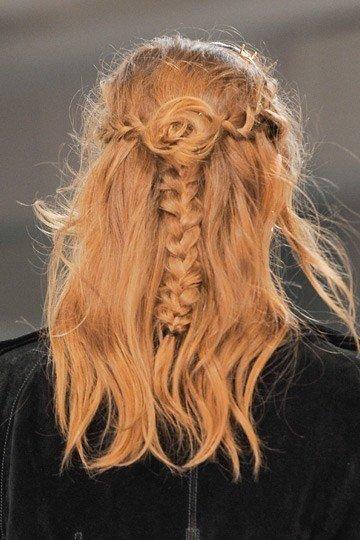 peinados-2014-tendencia-trenzas-trenza-con-semirecogido