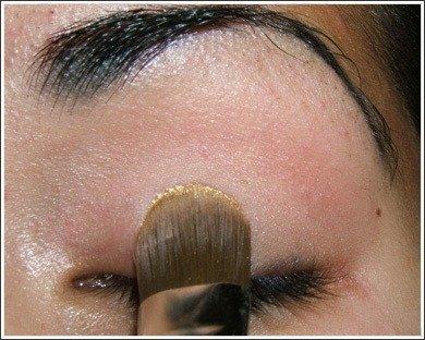 pincel maquillaje ojo